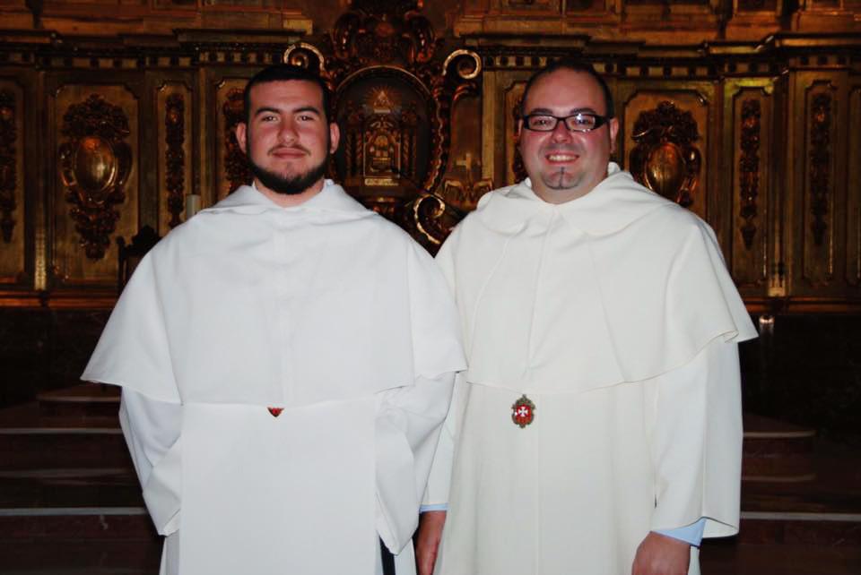 Matteo Arcara y Alejandro Peyés también hicieron su primera profesión este año.